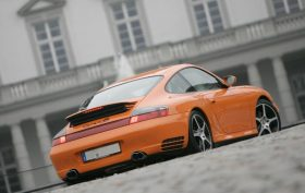 Porsche 911 Carrera 4S (996) - 2004 Orange Pur